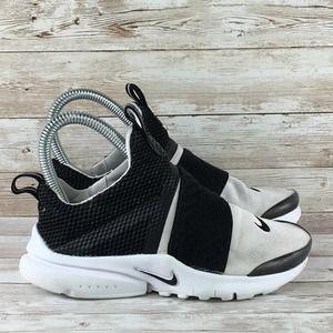 Nike Presto Extreme Boys Size 1Y White Black